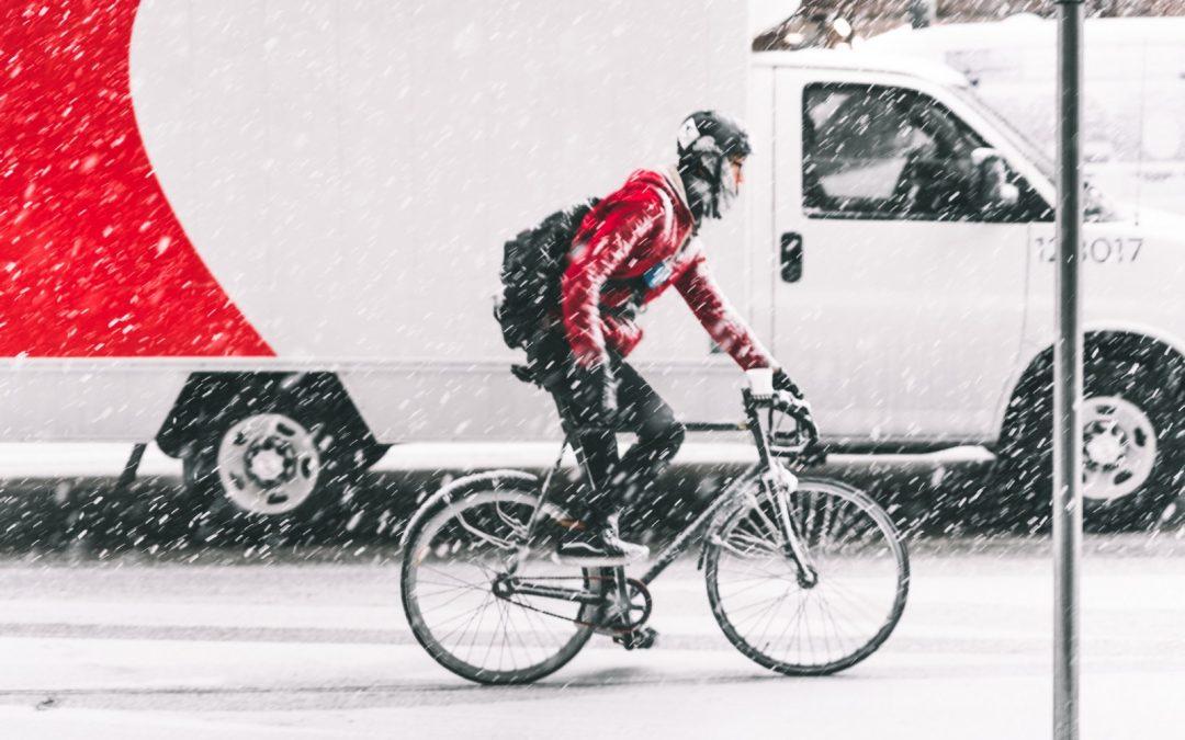 Jak ubrać się na rower w sezonie jesienno-zimowy?